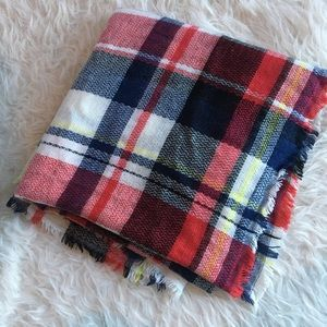 Accessories - Cozy blanket scarf, plaid. Picnic colors!